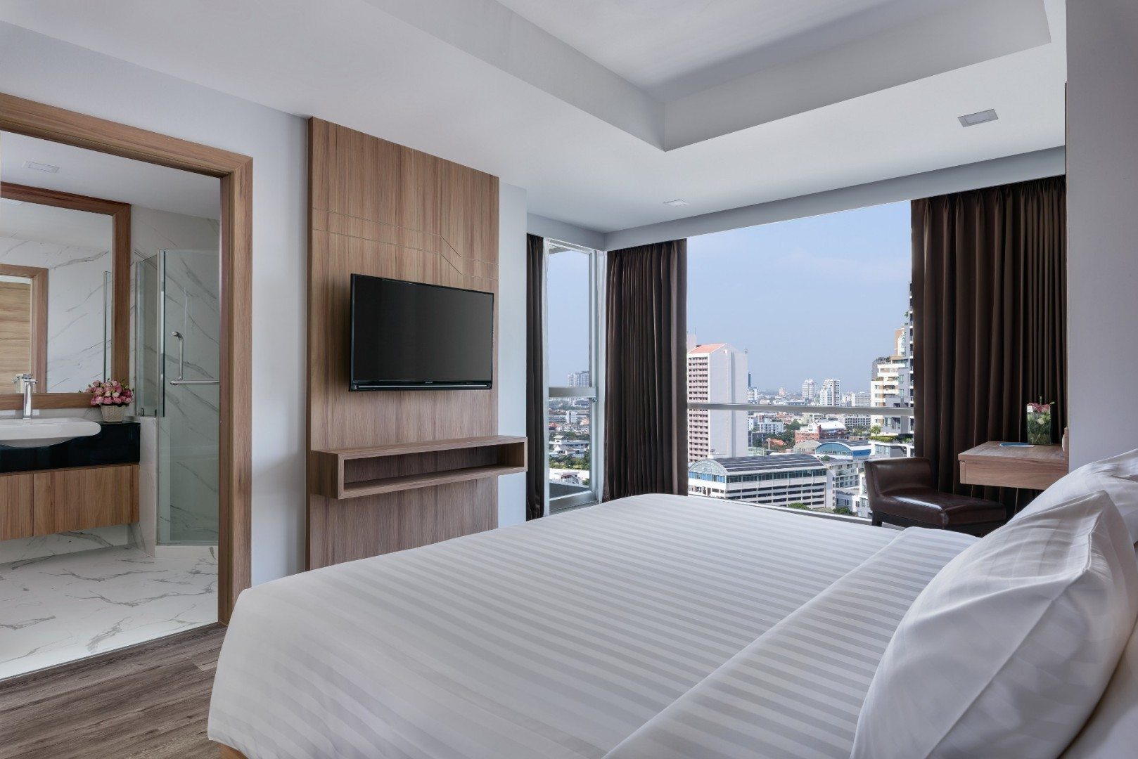 Adelphi Grande Sukhumvit Hotel - Executive One Bedroom Suite Bedroom-04.jpg